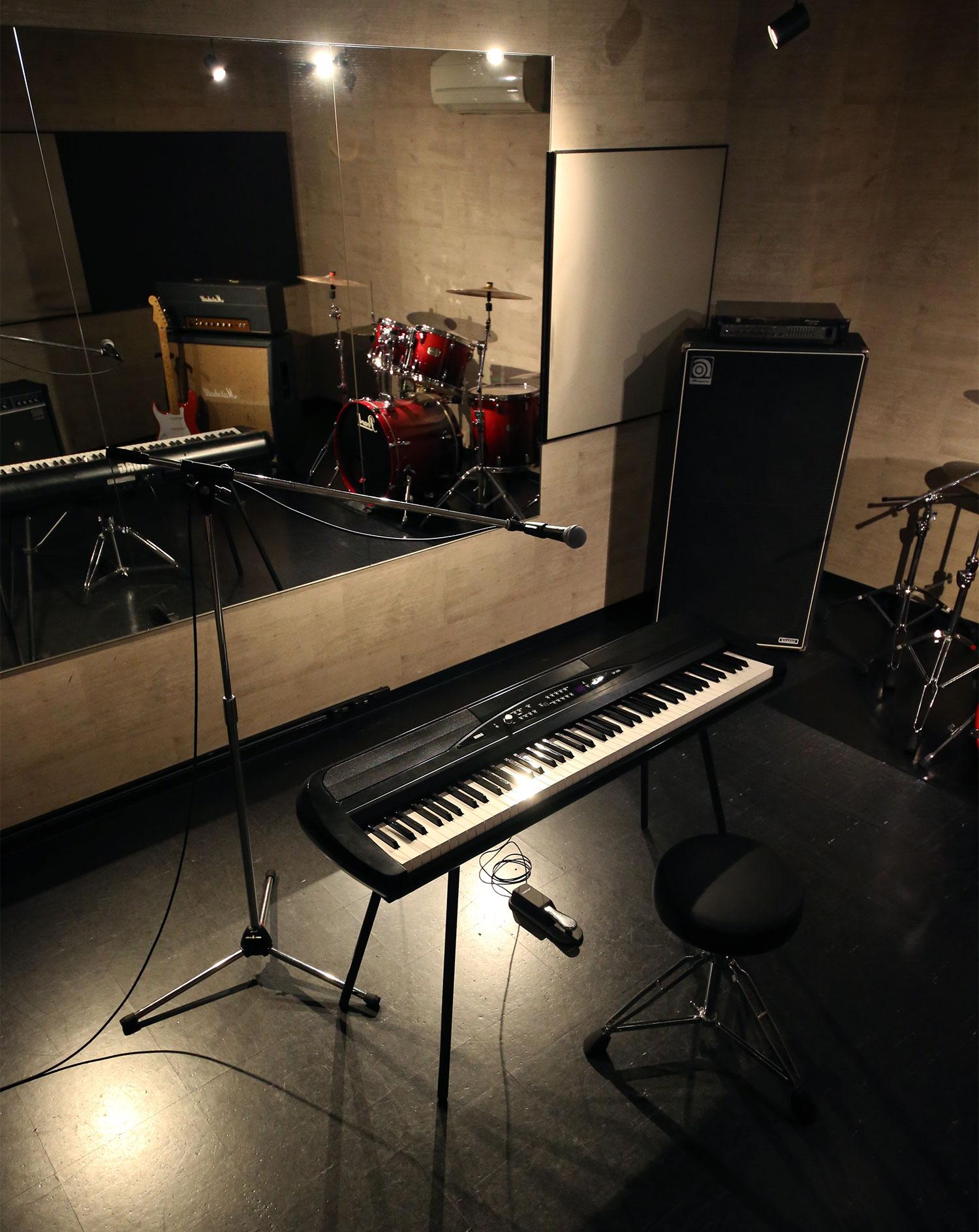 弾き語りの練習するなら福岡天神ゴンスタジオ。